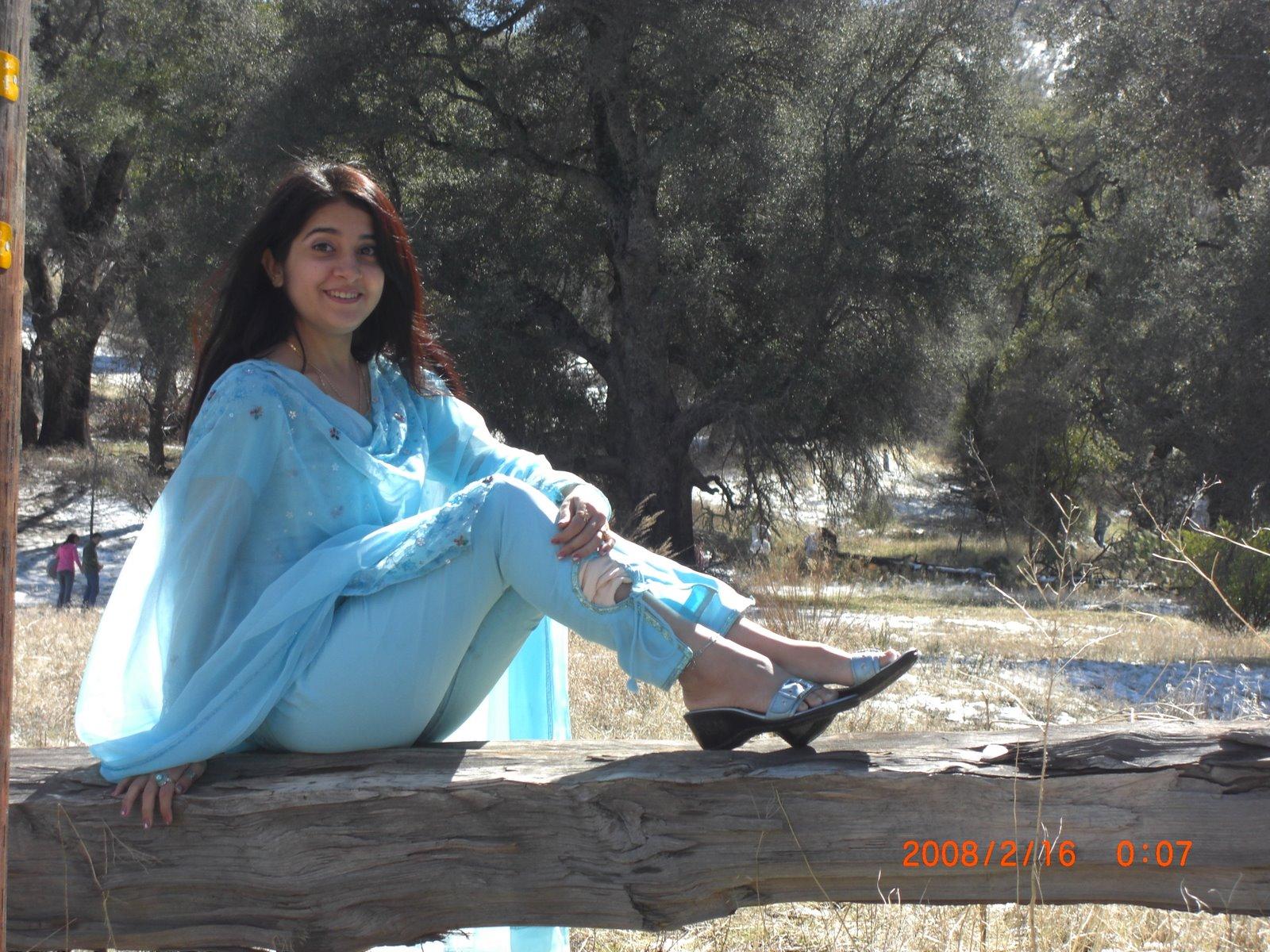 www-pakistan-girl-sexy-phone-no-leggs-body-beautiful-pantyhose